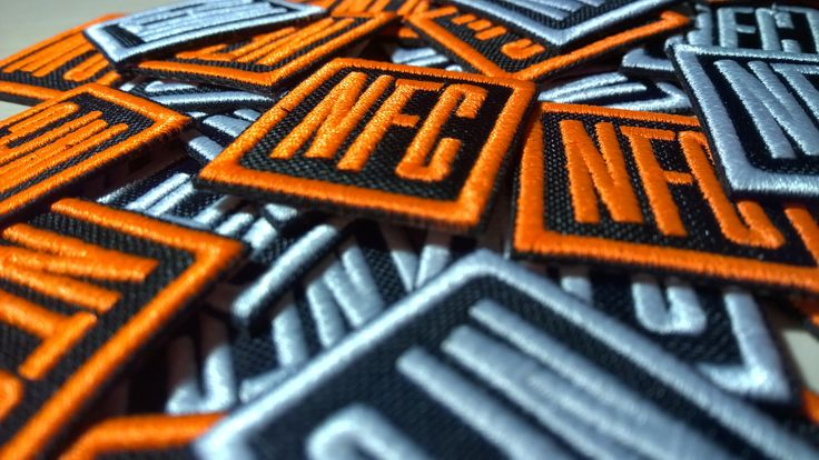 Patch ricamata dietro la quale troviamo il chip NFC