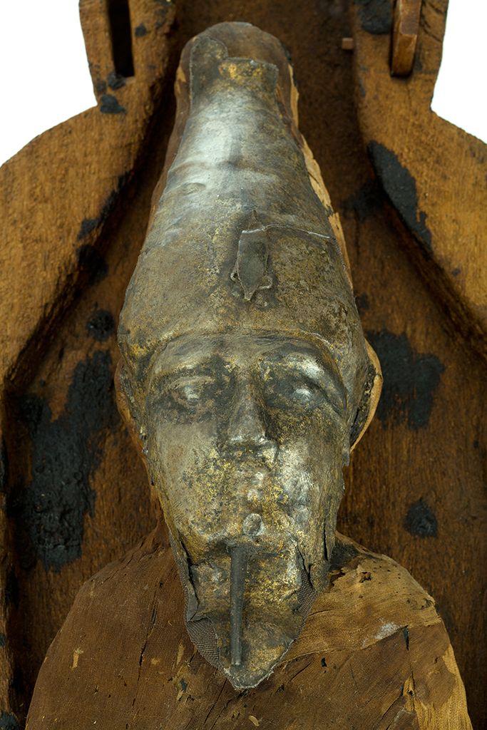 /Srebrna maska Ozyrysa z mumii zbożowej z kolekcji Muzeum Archeologicznego w Krakowie /Silver mask of Osiris from the corn-mummy, collection of The Archaeological Museum in Kraków/
