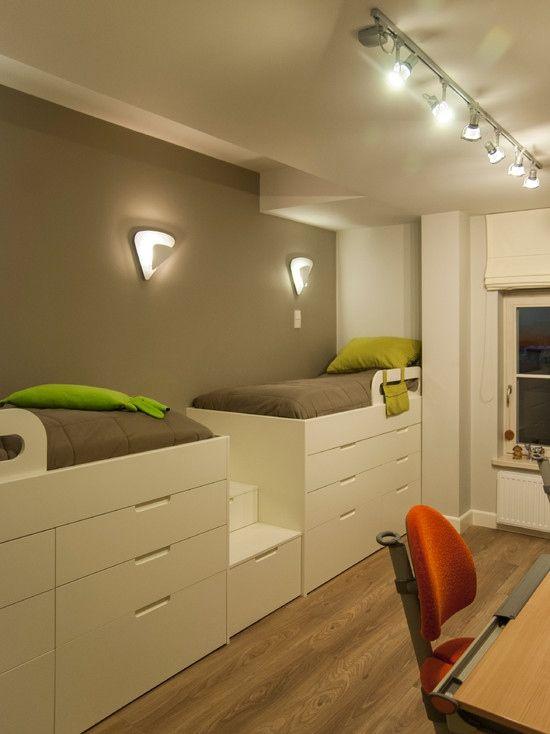 Chambre design avec des lits et rangements
