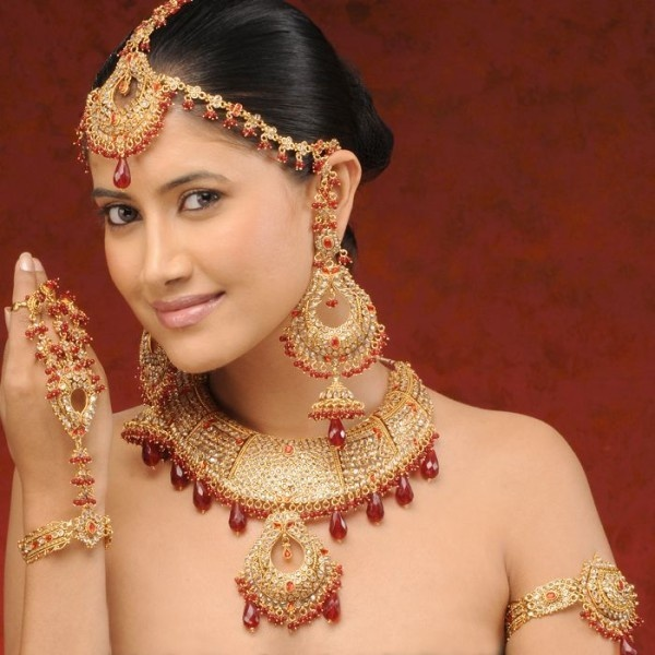 Bengali Photographer Gets Death Threats For Showing A Model As Nude Bengali Bride