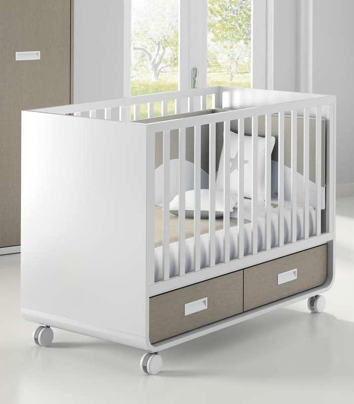 La cuna infantil mini aire con cajones es ideal para darle el confort que…