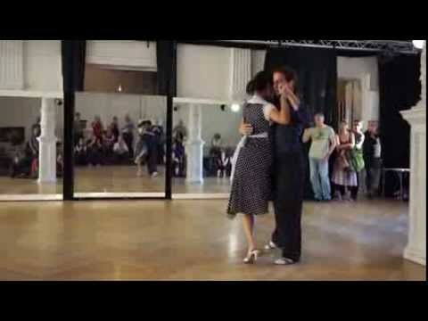 Musicality: Synchronized Adornos, Slowing Down, Pauses | michelle + joachim