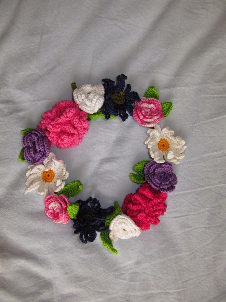 http://www.elizabethskreativarum.se/2014/04/monster-till-virkad-krans-med-blommor.html?m=1