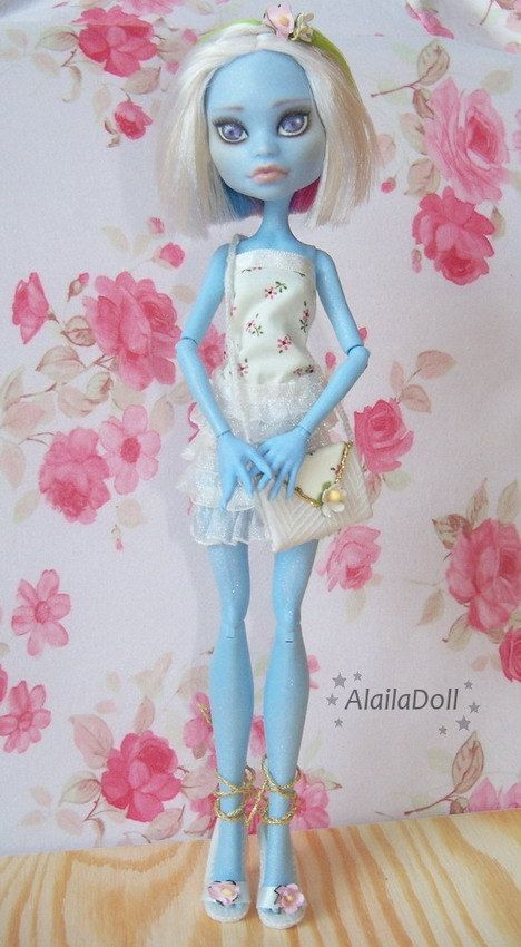 "Monster High OOAK ""Alice"" - Abbey Bominable - custom doll repaint"