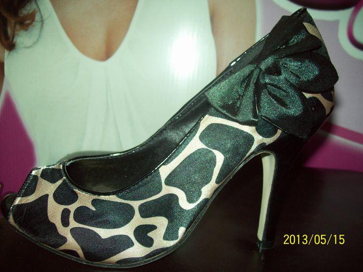 http://twitter.yfrog.com/nzrf8jej Hermosos zapatos importados de USA #mayorydetal Despachos en la COL envíos todo el país Texto 04267661004