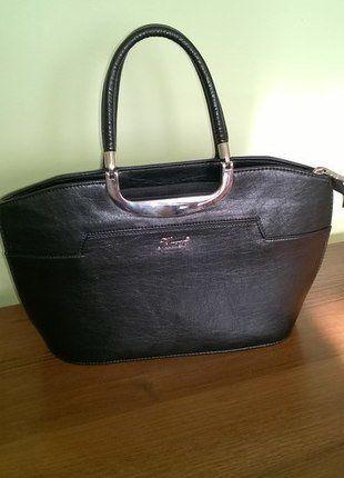 Kup mój przedmiot na #vintedpl http://www.vinted.pl/damskie-torby/torby-do-reki/15656367-czarna-elegancka-torebka-do-reki