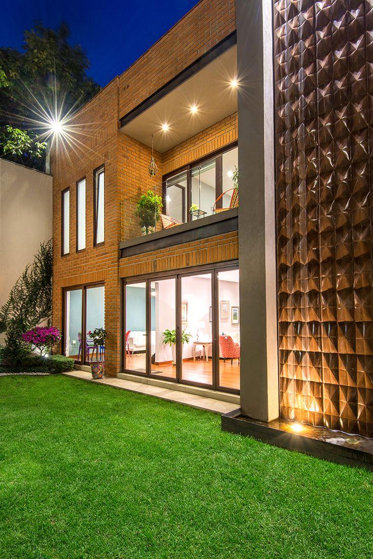 Puertas de madera, Canceles, Vista nocturna, #ventana #ventanademadera #madera #multivi #puertademadera #puerta #cancel #hechoenmexico