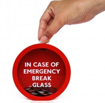 Pusculita EMERGENCY  http://www.homedeco.ro/produse/2-accesorii-decorative/14-obiecte-decorative-si-practice/3118-pusculita-emergency.html