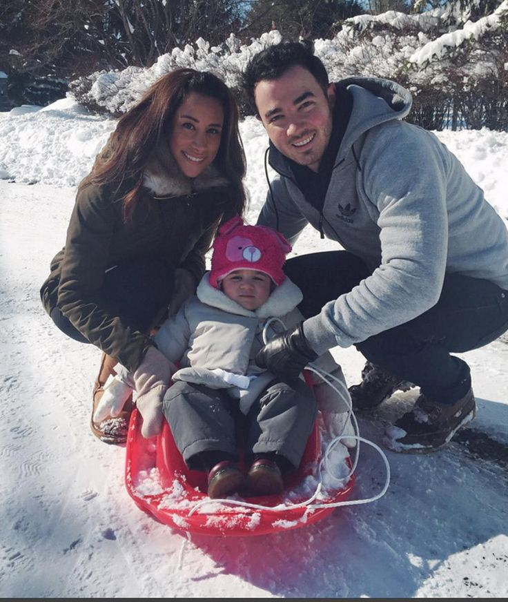 Kevin & Danielle Jonas' Daughter Alena Goes Sledding During Winter Storm Jonas!