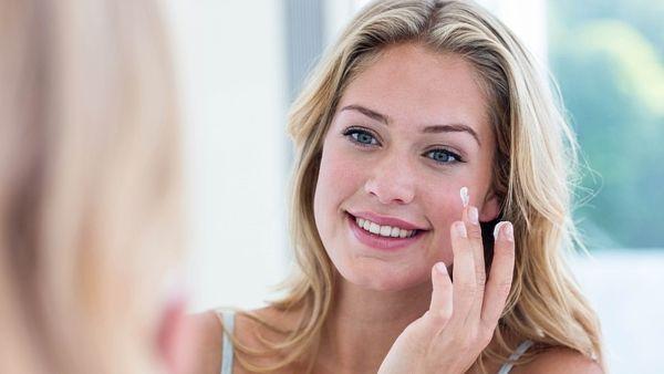 Krásné pleti lze docílit i bez make-upu.