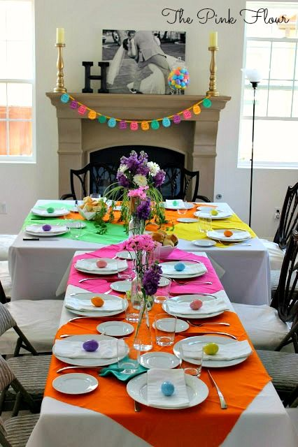 Cute Easter Table: Something like this might work for the Resurrection Day feast at church.