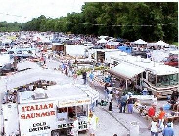 Jaimes Flea Market Huge Indoor Outdoor Flea Market In The County I Live In Open Weds Sat Ohio Destinations Ohio Fleas Places