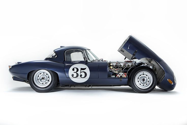 First E-Type Racer To Fetch £900,000 at Auction