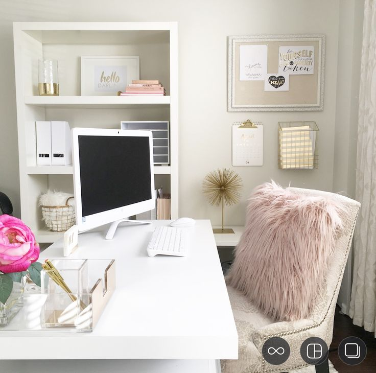 Home Office Decor For Private Impression: Best 25+ Feminine Office Ideas On Pinterest