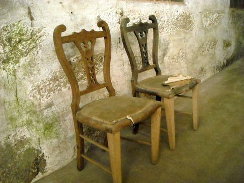 cadeiras, 2: lote em armazém