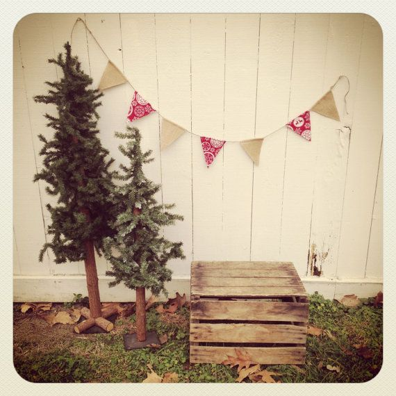 5 foot Double-Sided Fabric Burlap Twine Bunting. Love the burlap and there is that cute red and white Christmas fabric I like.