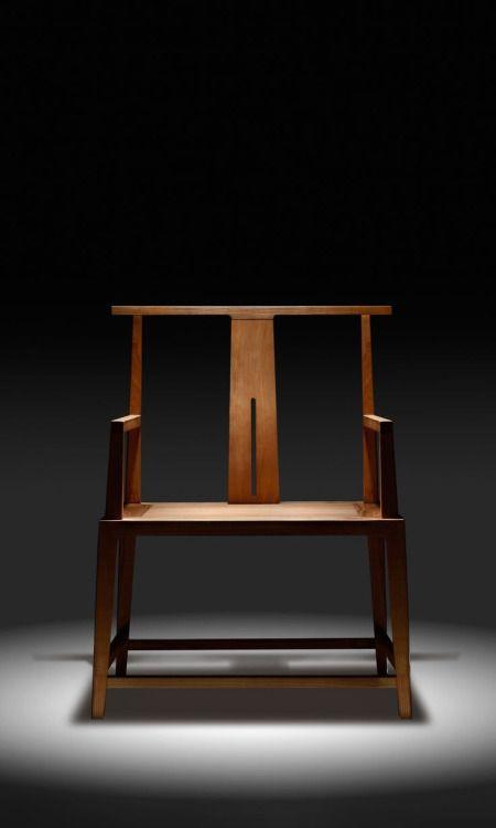 moodboardmix: Small Wide Chair by Shen Baohong. U+Furniture.WDH 680×560×905 mm. Ash & Willow Veneer.