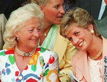 Diana and her mother were rarely close, despite this 1993 picture. morte mãe da princesa Diana em 67