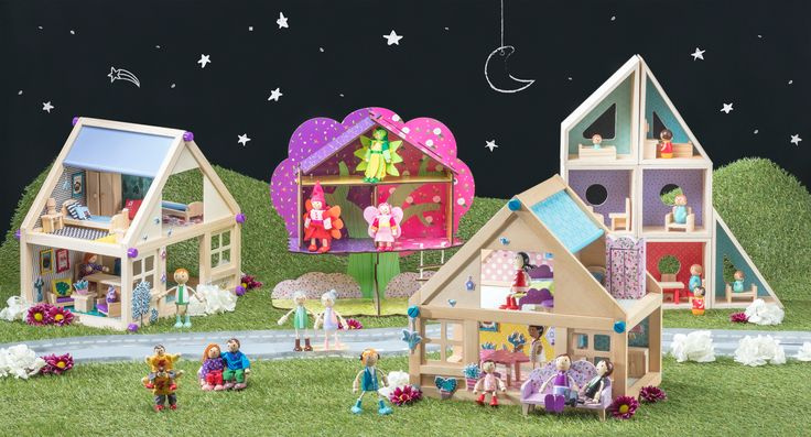 Nuestra colección Castilá cuenta con distintos diseños de casa para muñecas. Además, puedes encontrar diversos accesorios para decorarlas y entretenidos personajes para jugar.
