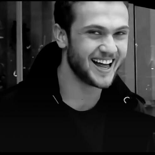 Aras Bulut İynemli please follow me,thank you i will refollow you later