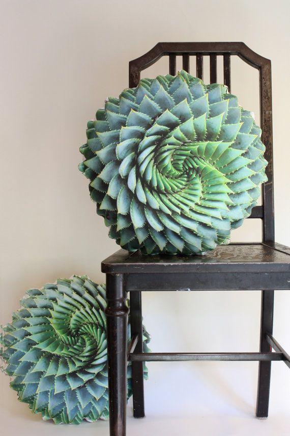 Spirale succulente coussin décoratif fait sur commande (Aloe polyphylla)