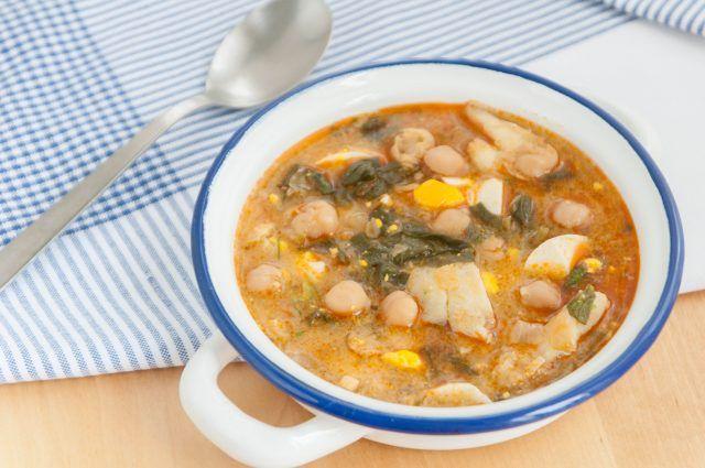 Potaje de garbanzos, bacalao y espinacas   Galletas para matilde