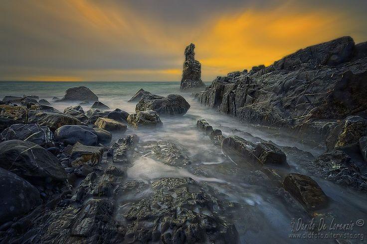 Long exposure on the rocks by dlddanilo