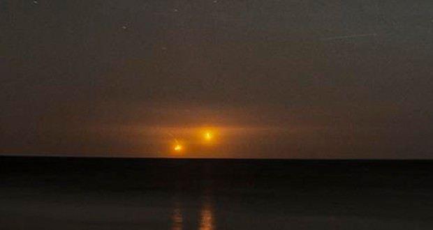 """В июле 2012 года была замечена активность яйцевидных НЛО испускающих ярко-желто-оранжевый свет. Это произошло в часовой промежуток между 21:30 – 22:30.  """"Здравствуйте. Я Не знаю, смогу ли точно описать явление, потому, что оно вызывает сомнения среди друзей, которые то"""