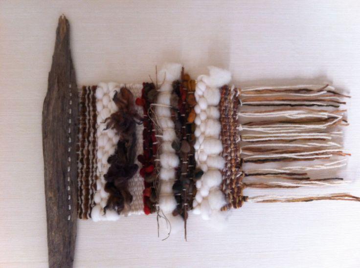 Hecho por claudia Martínez con lanas puras y teñidas con tintes naturales
