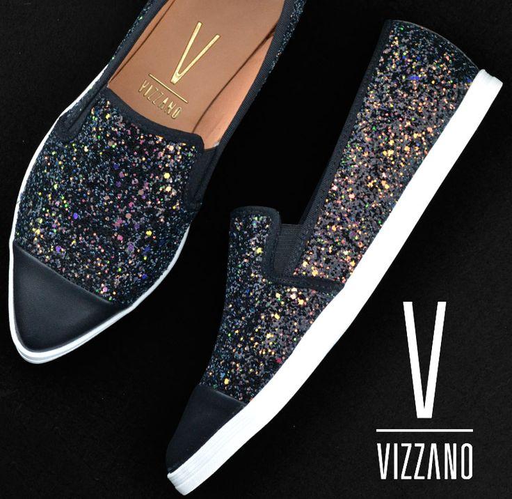 Muito brilho pra você sair por ai arrasando! ✨✨✨  #vizzano #sapatilha #slipper #glitter #vizzanocomglitter #diadosnamorados