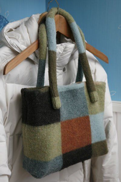 Upcycle old wool sweater into handbag!