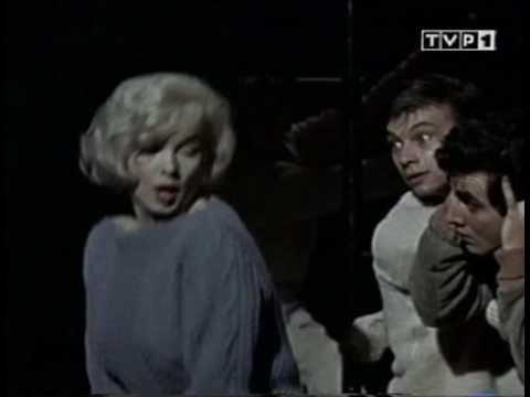 "Marilyn Monroe singing on ""Let's Make Love"" Shes soooo ADORABLE!!! OMG I love her.. lol!"