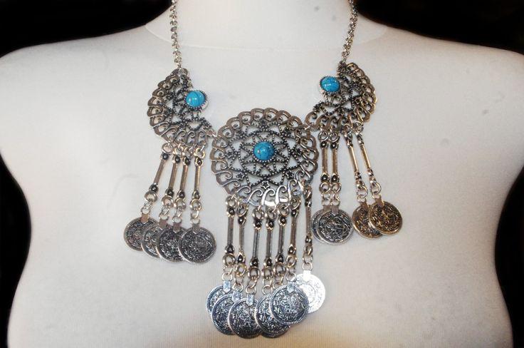 collar de monedas con piedra azul de hamuck en Etsy