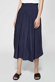 great waist definer! The soft pleats and higher length on the side gives you shape.