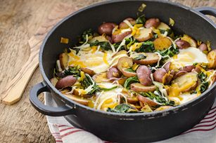 Red Potato, Leek & Spinach Skillet Hash with Eggs Recipe - The weekend is here, why not try out this better-for-you brunch option?