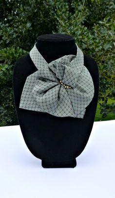 Echarpe cravate vert avec des perles est par JudysLittleShop