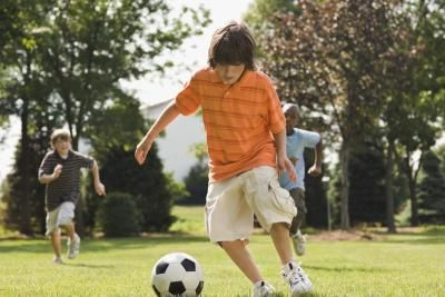 What Should My Kids Eat Before Soccer? by livestrong.com. Photo Credit Jupiterimages/Comstock/Getty Images #Kids #Breakfast #Soccer #livestrong