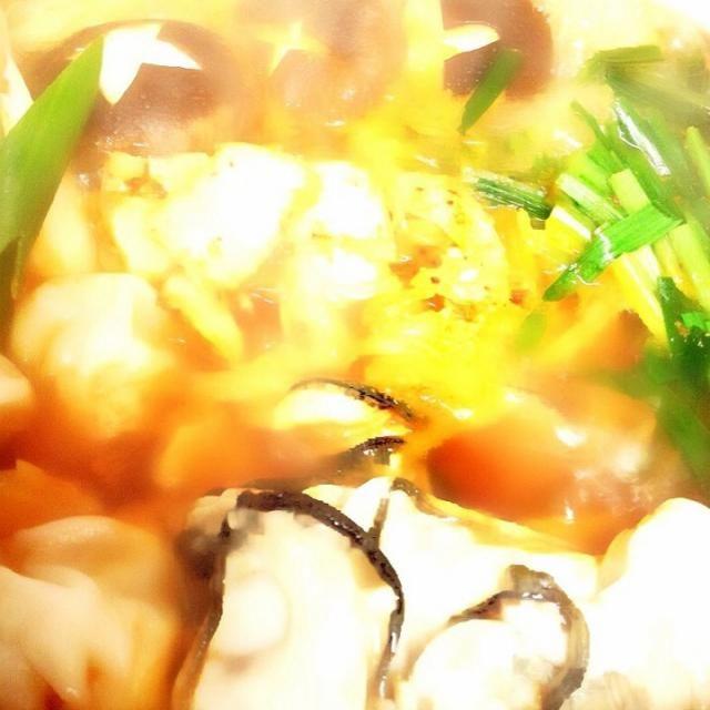 牡蠣がぷりぷりで美味しいd(^_^o) - 7件のもぐもぐ - おうちご飯 キムチ鍋〜牡蠣と小龍包入り✨出来上がり‼︎ by 週末シェフ…稀に平日も