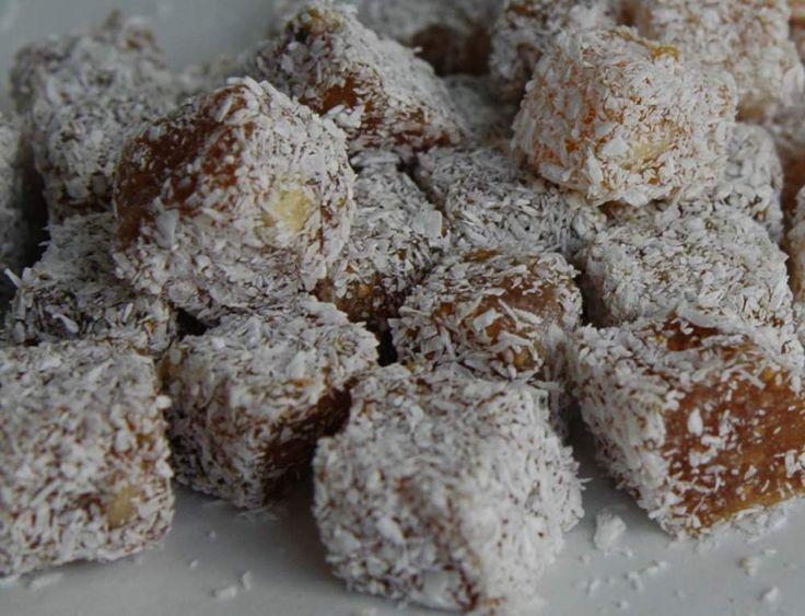 Το λουκούμι είναι γλύκισμα μπουκιά που φτιάχνεται μαγειρεύοντας ένα  μίγμα σιροπιού, ζάχαρης και κορν φλάουρ, πολύ αργά για αρκετές ώρες...
