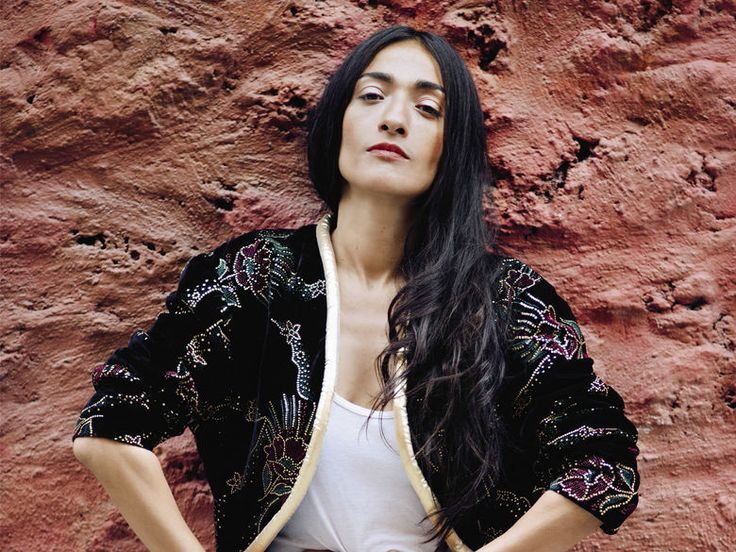 L-interview-express-les-coups-de-foudre-de-la-chanteuse-Hindi-Zahra_exact780x585_l.jpg (780×585)