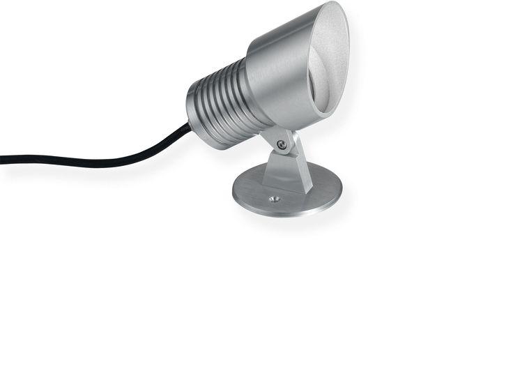 Location:Exterior Light source:LED 3x1W, 240 Lumen Colour temperature:Warm White 3000K Mounting type:External Control gear: Integral Dimensions: Ø75 x 160L
