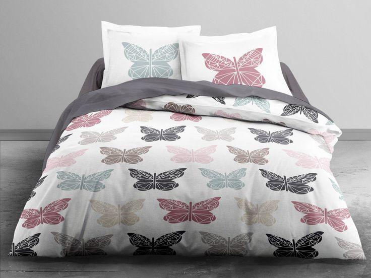 100% coton 57 fils Dimensions : Housse de couette : 240 x 220 cm Taies d'oreiller : 63 x 63 cm Motifs : papillons Couleur : blanc, noir, rose, beige, bleu, gris Finitions...