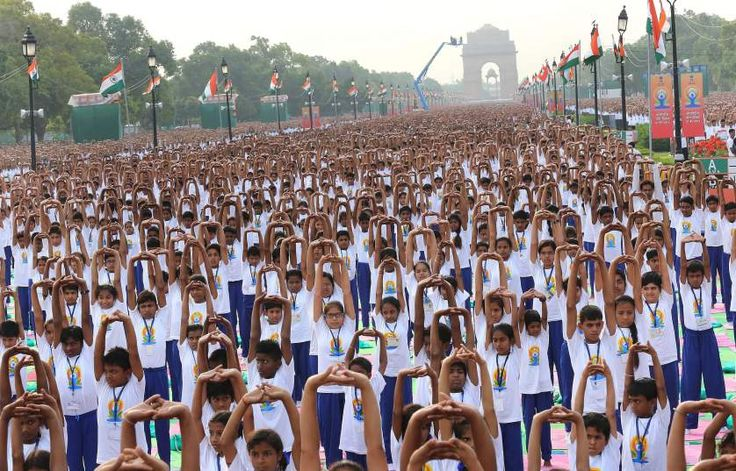 Thousands perform #yoga to Celebrate the First International Day of Yoga, Rajpath, #NewDelhi