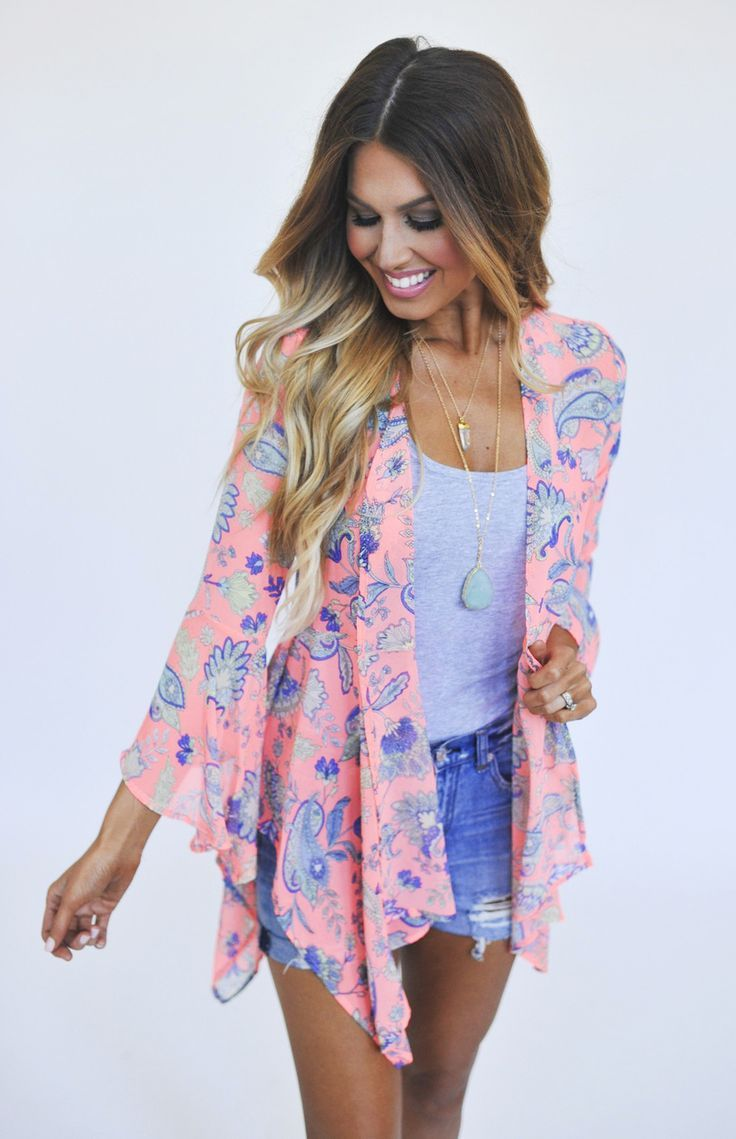 SF stylist - love this fun print and dusty pink color. Like that it's a light weight cardi.