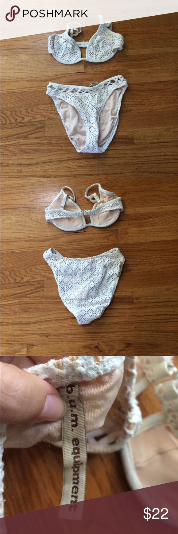 Vintage crochet cream bikini two piece Size small/ medium there's no tag. B/C cup. Lightly padded. Hard underwire. High cut bottom. Excellent vintage condition. Feel free to offer Vintage Swim Bikinis