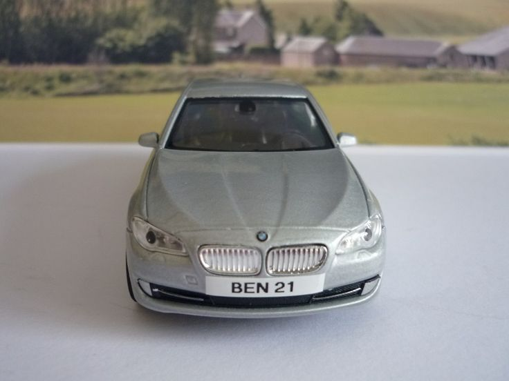 PERSONALISED PLATES Silver BMW 535i