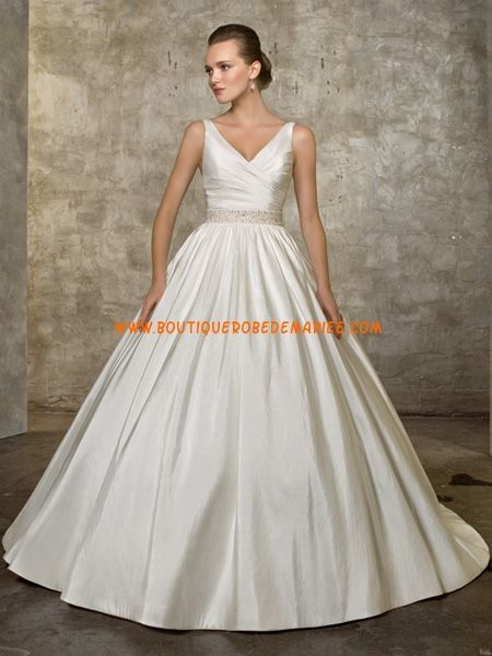 Robe de mariée sur mesure col V robe princesse