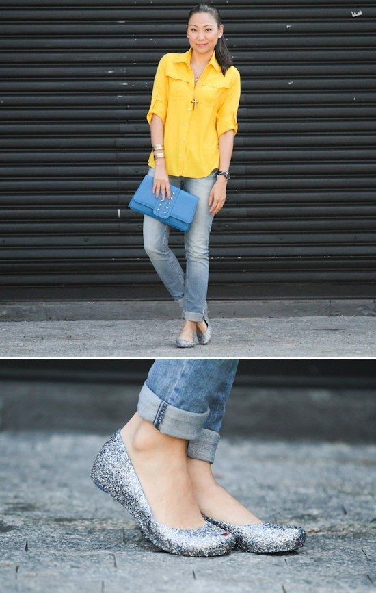 ea27c9523b6f3 Usar uma calça jeans básica com uma sapatilha de glitter