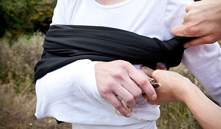 First-Aid Manual: Fractured Arm Learn how to improvise a splint with common backpacking gear