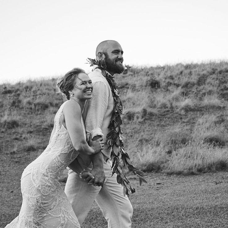 Ronda Rousey Just Married Travis Browne In a Tropical Hawaiian Wedding
